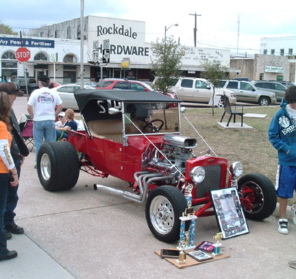 Early-day Rockdale car show